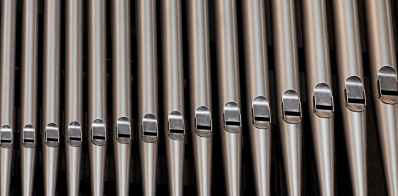 organ-pipes-church-music-161111.jpeg