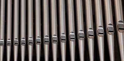 organ-pipes-church-music-161111.jpeg